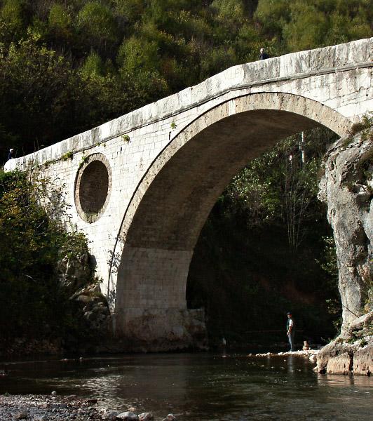 37827924.Bosnia2004_PICT5464